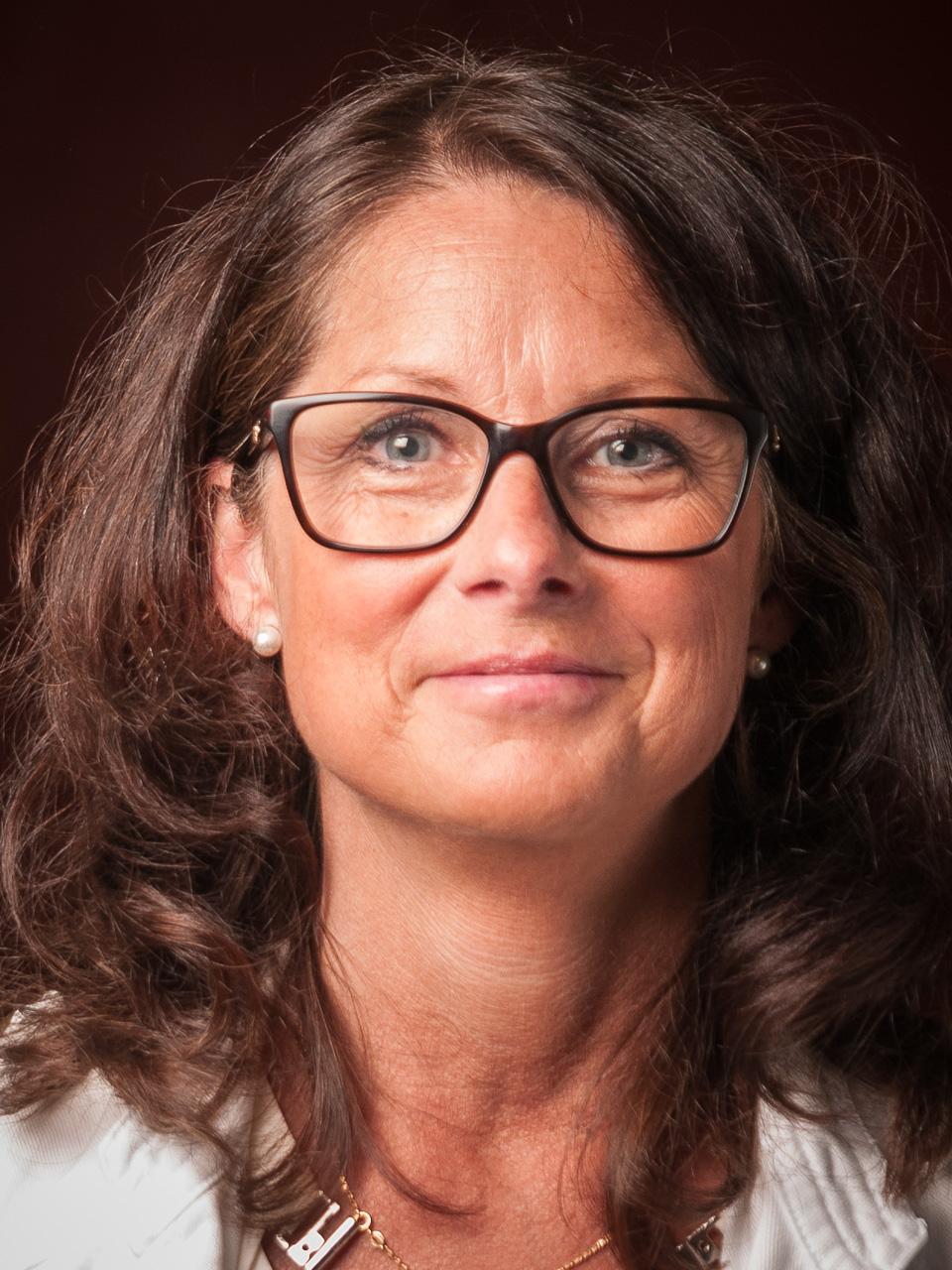 Maria Manzang-Rasmussen - Ekonom 50%